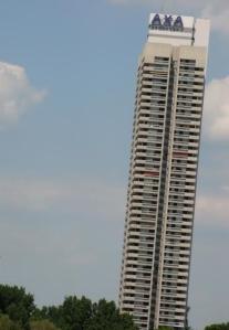 Der schiefe Turm von AXA